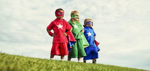 Condividi su diversi social network? Sei un Supereroe Social!