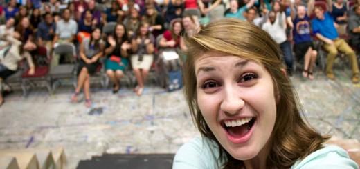 Gli eventi nell'epoca dei social: tutti selfie e niente arrosto
